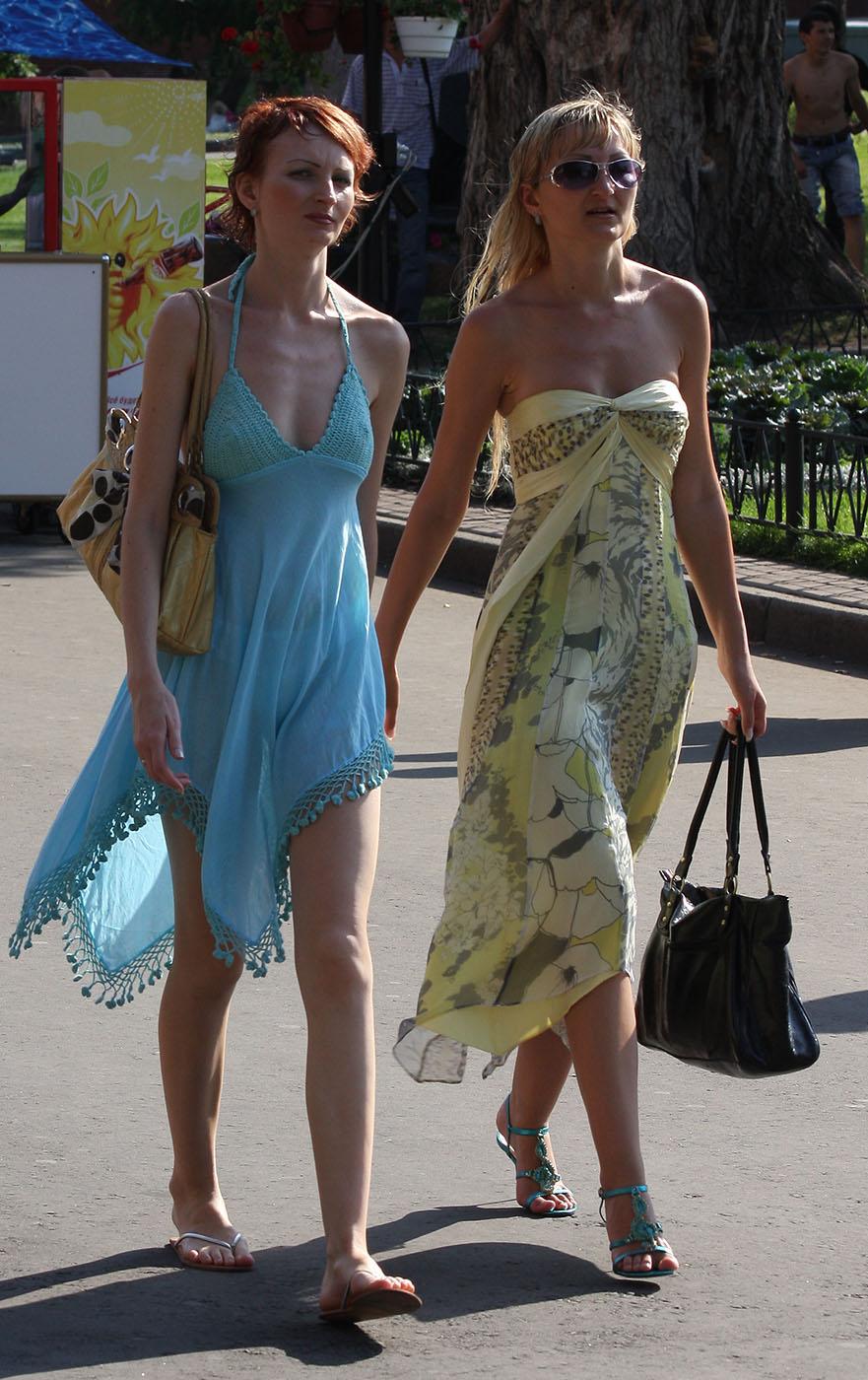Просвечивающие платья на девушках 10 фотография