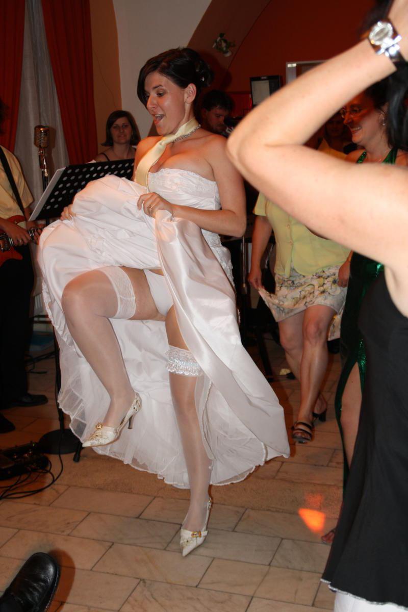 Позы фото интим свадебный трется