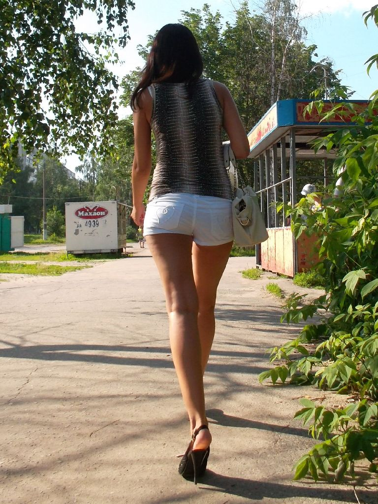 devushki-dayut-v-anal-foto
