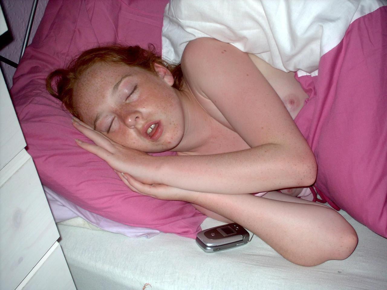 Спящие засветы девушек фото 6 фотография